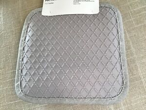 WOLFGANG PUCK  POT HOLDERS (2) KHAKI SILICONE SQUARE WITH HANGING  LOOP  NWT