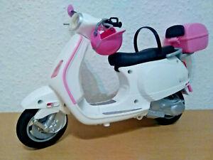 Barbie Vespa / Piagio Motorroller Roller Scooter , sauber , mit Helm