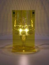 Kartell Take 9050 Ferruccio Laviani gelb Tischleuchte Nachttischlampe