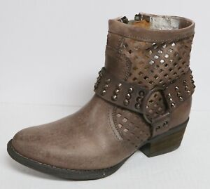 VERY VOLATILE DELUXE WOMEN'S SIZE 6.5 DISTRESSED LEATHER HARNESS ANKLE BOOTS