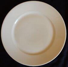 A'/ Assiette blanche en faïence de MOULIN DES LOUPS