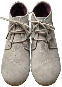 Toms Desert Wedge Taupe Beige Suede Ankle Booties Women's Sz 8.5