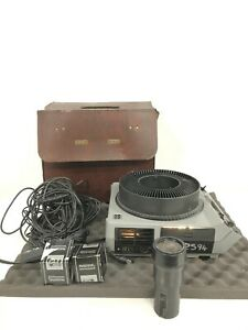 VINTAGE Kodak Ektagraphic III AMT Projector / 300W LAMP MAX / 120 VOLTS 60HZ
