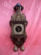 bella,vecchio orologio pendolo__con statua in bronzo__Pesi und sospensione___