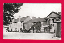 Unposted card unknown location ,nice scene, Horse & Cart , outside Inn.