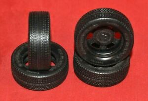 MPC Goodyear GT Radial Tires 1/16
