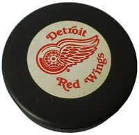DETROIT RED WINGS NHL VINTAGE OFFICIAL GAME PUCK JOHN A. ZIEGLER TRENCH 🇨🇦