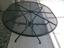 Russell  Woodard Sculptura oval table no chairs vintage from 1950 circa