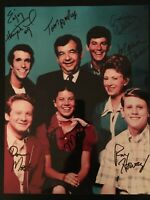 Signed HAPPY DAYS CAST Photo Ron Howard + 6 not PSA Beckett Signed Autograph COA