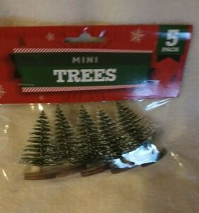 5 MINI . CHRISTMAS TREE DECORATIONS, modle railway set, AND ARTS AND CRAFTS