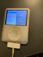 Apple iPod Nano 3rd Generation Model A1236 4Gb (Silver) (Parts / Not Working)