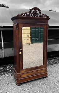 ANTIQUE 19TH CENTURY FRENCH FLAMED MAHOGANY SINGLE MIRRORED ARMOIRE, C1900