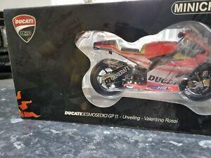 VALENTINO ROSSI  DUCATI DESMODECIC GP11  2011  UNVEILING Limited Edition