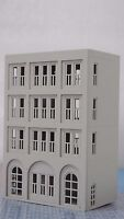 Outland Models Railway Modern City Building 4-Story House / Shop N Scale 1:160