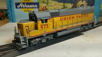 Athearn RTR Union Pacific gp50 locomotive train engine HO up 975