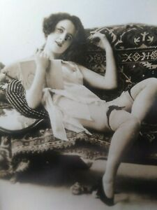 Early 1900s found photograph - Risque woman showing legs