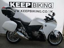 2011 HONDA VFR1200FD-A DCT  17945 MILES.  FULL SERVICE HISTORY. FULL LUGGAGE.