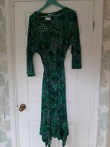 Monsoon Angeline Arrow Print Hanky Hem Dress. Green. Size Medium BN RRP £65.