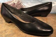 soft style Block Heel Classic Pump Black Faux Leather Size 8N Vintage Style