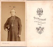 Trinquart, Paris, Prêtre en soutane tenant son chapeau, circa 1870 CDV vintage a