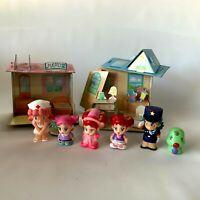 Vintage Lot Pokemon Bandai Finger Puppets Plus Miniature Cardboard House 1999 98