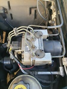 LAND ROVER DISCOVERY 2 TD5 ABS PUMP SRB 500051