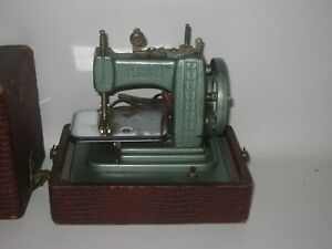 Betsy Ross Model 707-E Electric Child's Sewing Machine Works Well #DE10 RARE