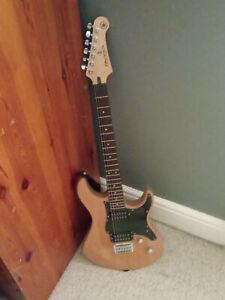 Yamaha Pacifica 120 H electric guitar