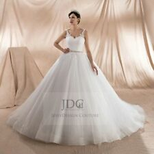 Romantisches Tüll Brautkleid Spitzecorsage mit Träger Kristallen Gürtel Ivory