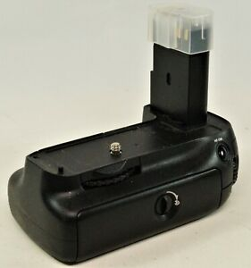 Nicano Battery Grip For Nikon D90 & 80, Good Working Order. Battery Tested