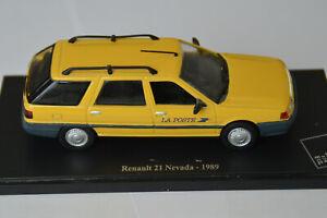 Miniatures 1:43 - Musée de la Poste. Renault 21 Nevada - 1989, sur socle.