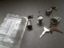 Genuine Toyota Land Cruiser 40 series ignition latch and lock set 69005-90316