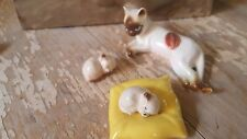 bone china Made in Japan set mama and babies  miniature siamese figurines