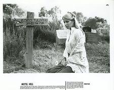 NINA AXELROD  MOTEL HELL  1980 VINTAGE PHOTO ORIGINAL #2
