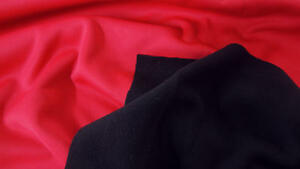 SCHWARZ / ROT DOUBLEFACE NEOPREN-IMITAT / FUNKTIONS-FLEECE STOFF STOFFE |C488@