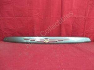 NOS OEM Chrysler Pacifica Lift Gate License Plate Lamp 2004 Onyx Green Pearl