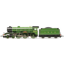 Hornby LNER B17 Class 4-6-0 2864 Liverpool Steam Locomotive Era 3 R3588 1:76 OO