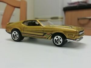 Hot wheels 1971 FORD MUSTANG MACH 1 new without package