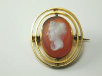 9CT Gold Vintage Hardstone Cameo Brooch 3.3 Grams