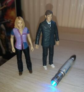 Doctor Who Rose Tyler & 10th Doctor & Sonic Screwdriver Worldwide Limited Figure