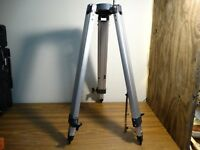 Meade 102ACHR/500 Replacement part - Tripod - missing clasps