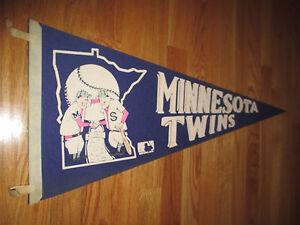 """1969 MINNESOTA TWINS 30"""" Pennant w/ Tassels HARMON KILLEBREW BOB ALLISON"""