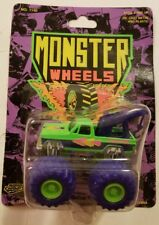 NEW 1990 ROAD CHAMPS MONSTER WHEELS CHEVY TOW TRUCK 1:64  SCALE.    D30#2dr