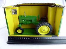 Deere Model 40 Adie-cast model tractor Ertl 1-16