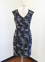 Kay Unger Dark Navy Black White Printed V-Neck Sheath Dress Size 8 Cocktail