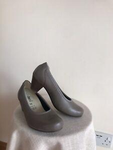 Vitaform brown taupe soft leather comfort heel wider feet shoes Sz 4.5-5 VG £120