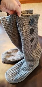 Women's Size 7 UGG Austrailia Classic Cardy Gray Knit Boots w/Decorative Buttons