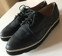 Topshop Black With White Trim Pointed Lace Up Flats Size 6