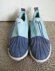 JOHN FLUEVOG Urban Angel Spyro Blue Slip On Sneakers Size 7