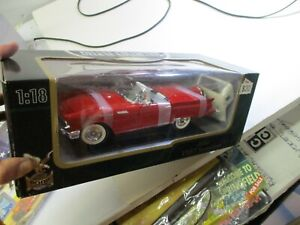 NIB Road Signature Deluxe Edition 1957 Ford Thunderbird - Red - 1:18 Scale